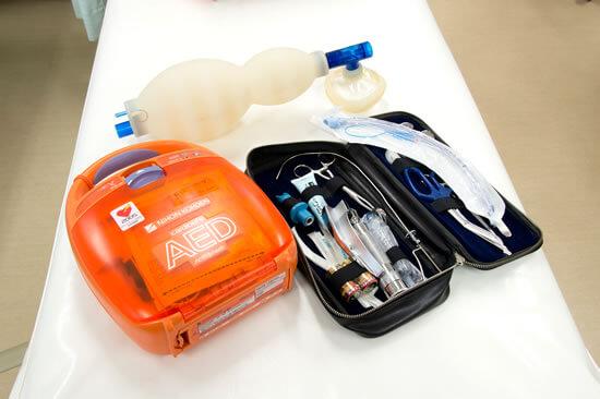 救急蘇生器具一式(AED)